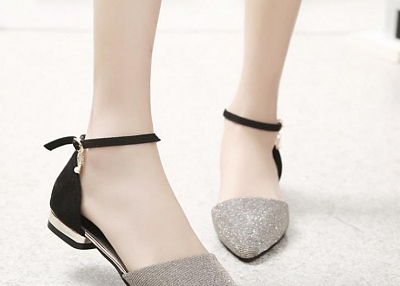 ONE-BUTTON BUCKLE WITH POINTED FLAT WOMEN SANDALS