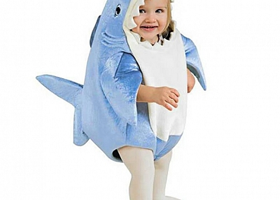 Children perform mascot costumes in a shark fairy tale