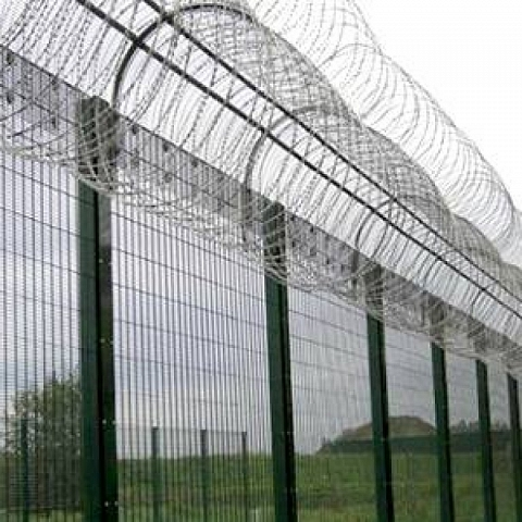 358 Prison Security Perimeter Fencing Scares Away Intruders
