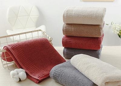 Plain long-staple cotton towel