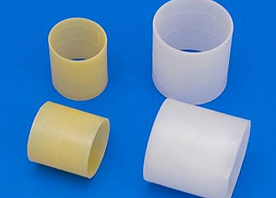 Plastic Rasching Ring - a Random Packing with Simple Structure