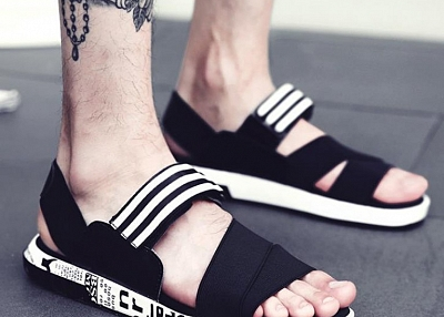 PERSONALITY SANDALS